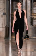 CANDICE SWANEPOEL at Oscar De La Renta Runway Show at New York Fashion Week 02/10/2020