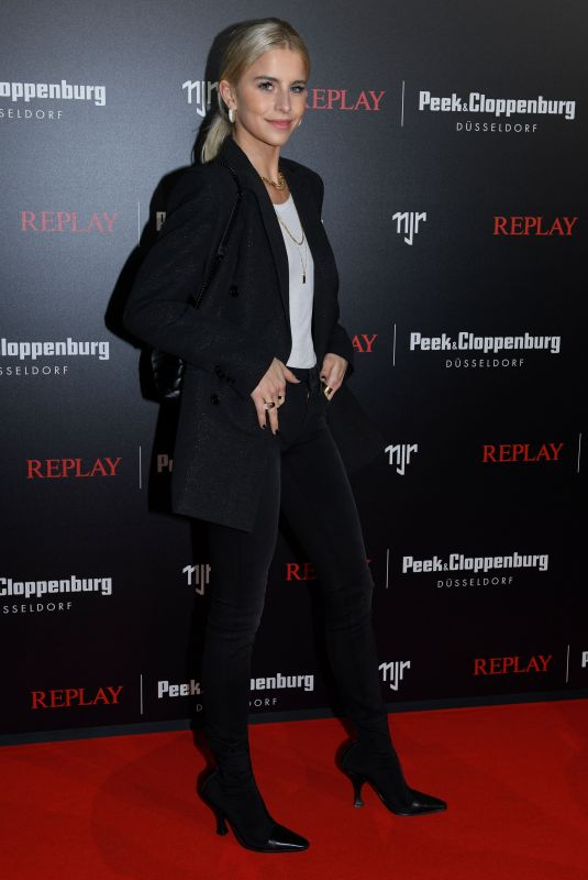 CAROLINE DAUR at Replay Peek & Cloppenburg 02/13/2020