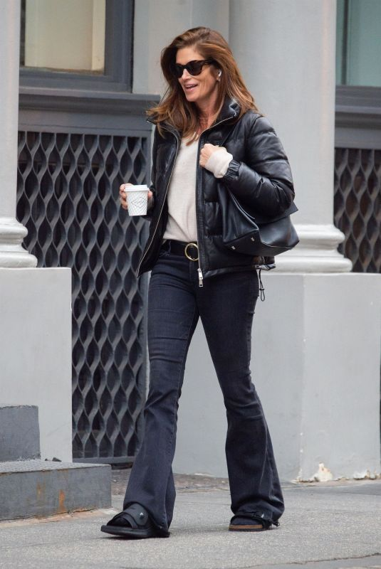 CINDY CRAWFORD Out for Coffee in New York 02/05/2020