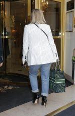 ELIZABETH MOSS at Her Hotel in Paris 02/17/2020
