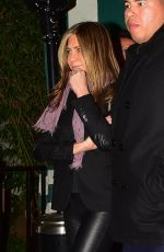 JENNIFER ANISTON Leaves Sara Foster