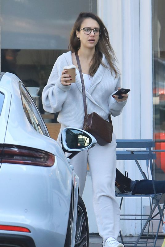 JESSICA ALBA at Blue Bottle Coffee in Beverly Hills 02/08/2020