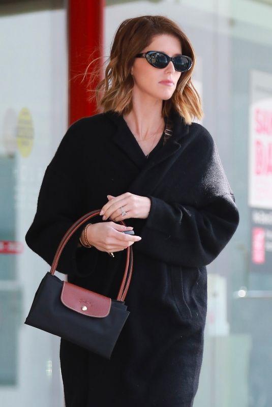 KATHERINE SCHWARZENEGGER Out in Los Angeles 02/28/2020