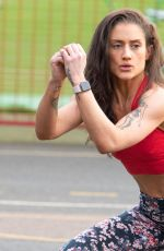 KATIE WAISSEL Working Out at a Park a London 02/06/2020