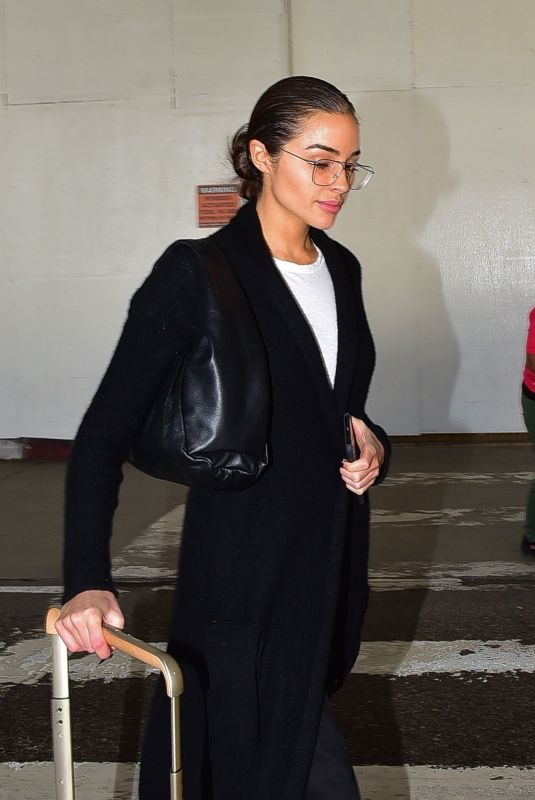 OLIVIA CULPO Arrives at Los Angeles International Airport 02/23/2020