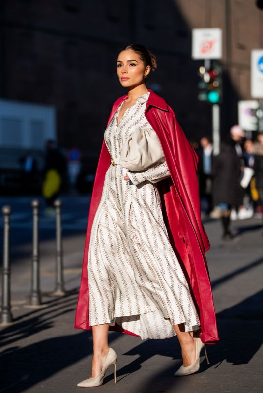 OLIVIA CULPO Out at Milan Fashion Week 02/22/202.