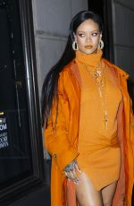 RIHANNA Arrives at Bergdorf Goodman to Introduce Her Fenty Collection in New York 02/07/2020