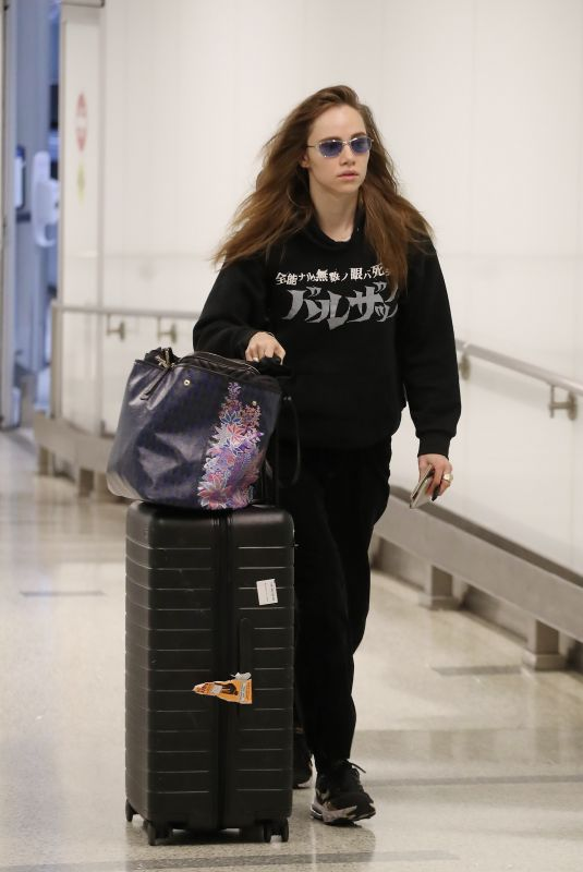 SUKI WATERHOUSE at Los Angeles International Airport 02/17/2020
