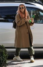 ASHLEE SIMPSON Shopping at Cotton Citizen in West Hollywood 03/09/2020