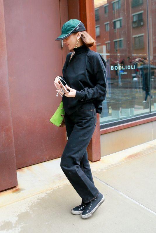 BELLA HADID Arrives at Gigi's Apartment in New York 03/06/2020