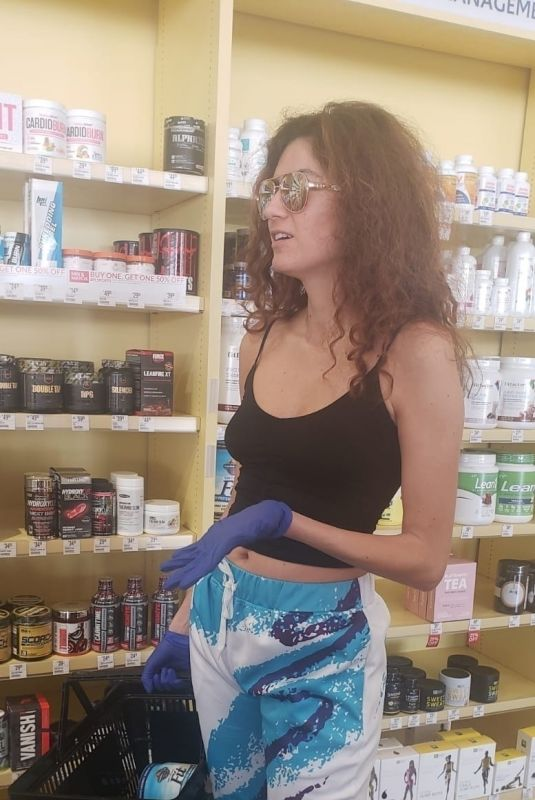 BLANCA BLANCO Wearing Latex Gloves as She Shopping for Vitamins in Los Angeles 03/26/2020