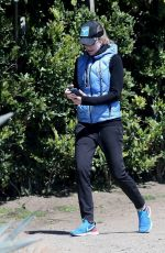 COURTNEY THORNE-SMITH Out Hikinig in Brentwood 03/27/2020