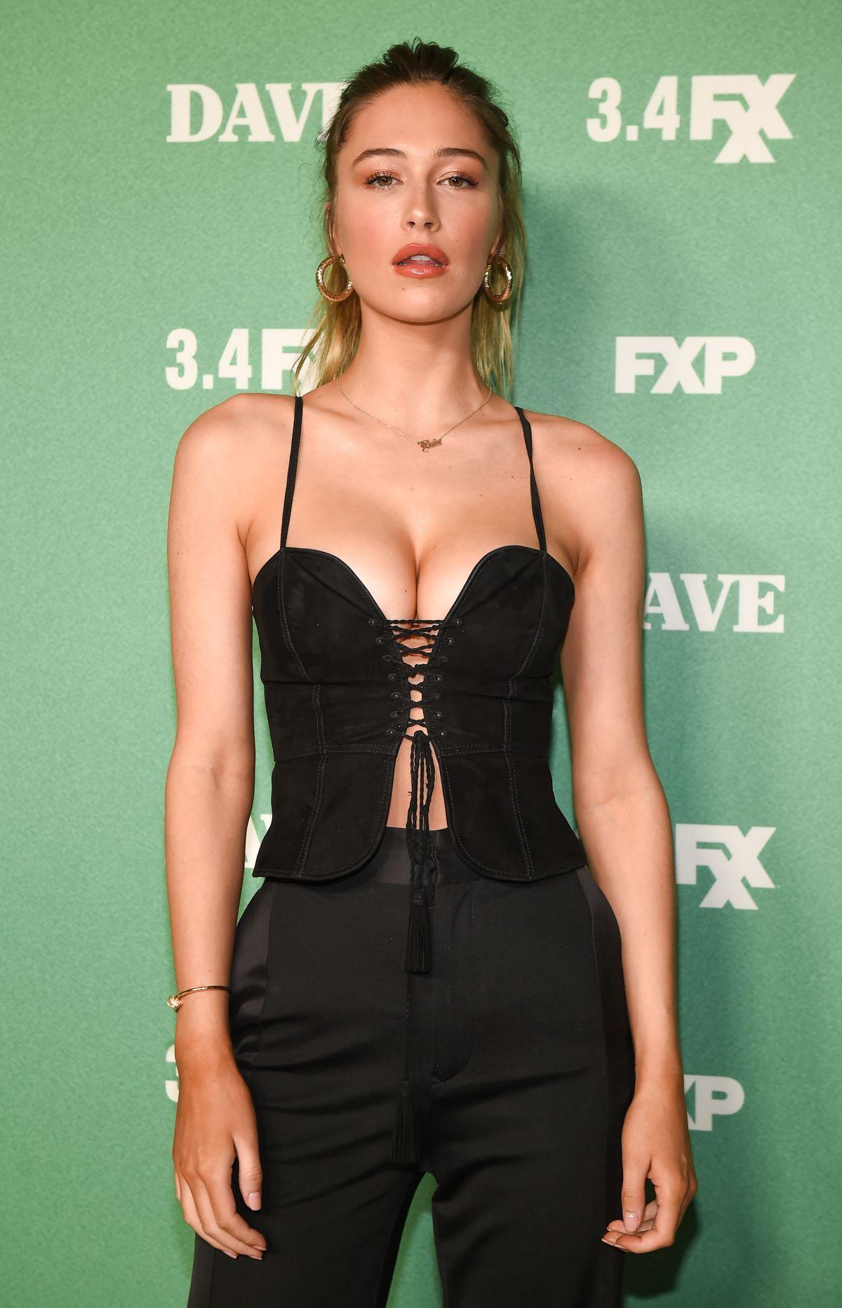 ELSIE HEWITT at Dave TV Show Premiere in Los Angeles 02/27
