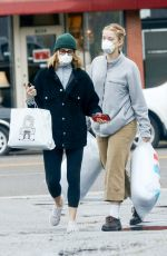 FELICITY HUFFMAN Wears a Mask While Shopping with Her Daughter 03/13/2020