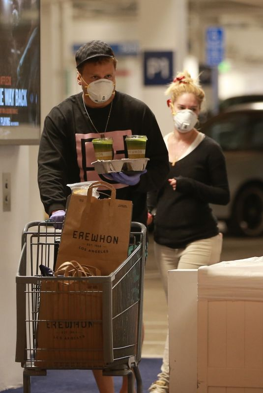 HEIDI MONTAG and Spencer Pratt with Face Masks and Latex Gloves Shopping at Erewhon Market in Pacifiy Palisades 03/24/2020