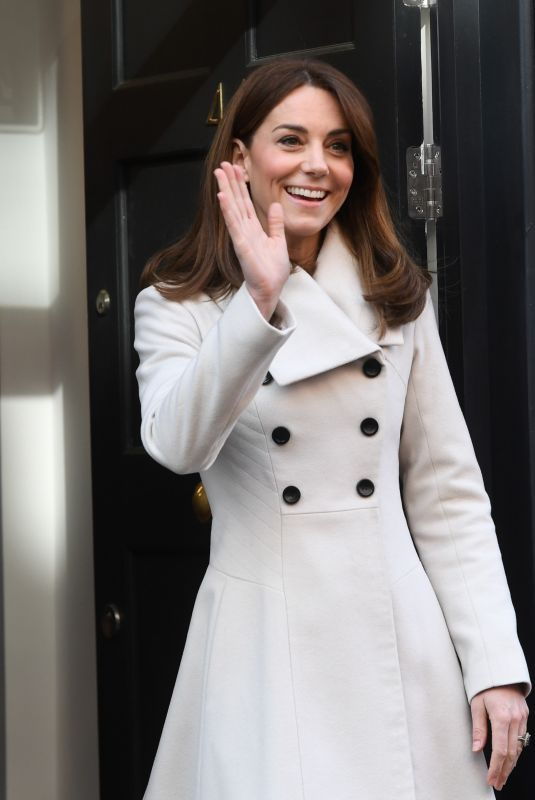 KATE MIDDLETON at Savannah House in Dublin 03/04/2020