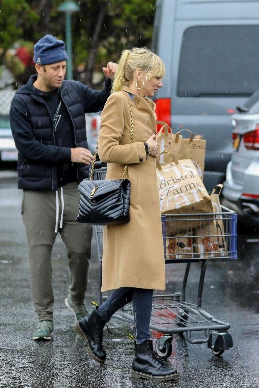 KIMBERLY STEWART and Jesse Shapira Shopping at Bristol Farms in Beverly Hills 03/12/2020