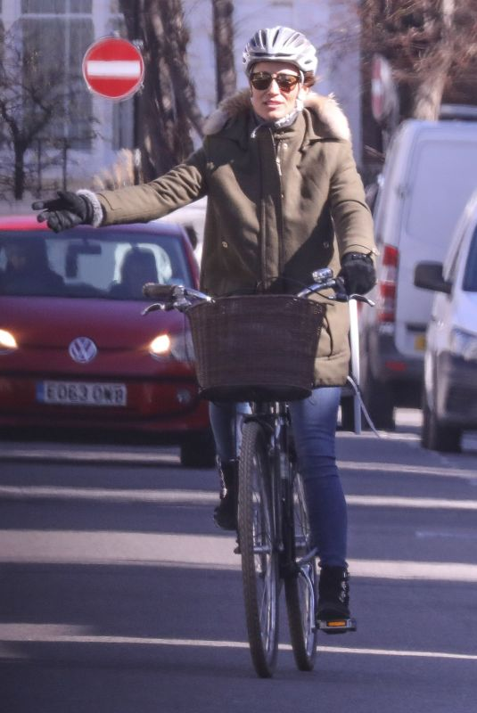 PIPPA MIDDLETON on Ber Bicycle Out in London 03/23/2020