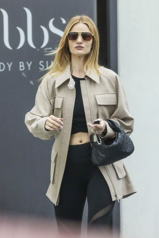 ROSIE HUNTINGTON-WHITELEY Leaves a Gym in Beverly Hills 03/10/2020