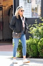 SARAH MICHELLE GELLAR Out Shopping in Pacific Palisades 03/05/2020