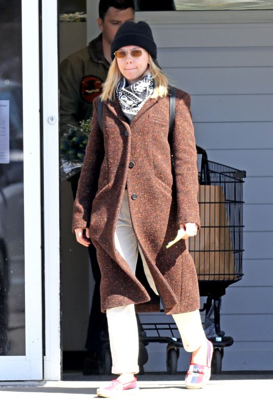 SCARLETT JOHANSSON Out Shopping in The Hamptons 03/16/2020