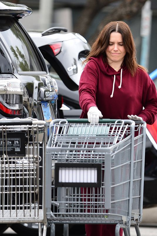 SOPHIA BUSH Shopping at Whole Foods in Los Angeles 03/16/2020