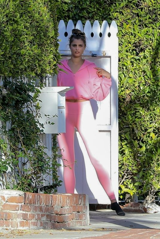 TAYLOR HILL Leaves Her House in Los Angeles 03/02/2020