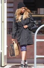 TYRA BANKS Out Sopping in Los Angeles 03/25/2020