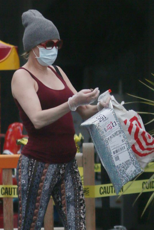 BRANDI GLANVILLE Wearing MAsk Out Shopping in Los Angeles 04/13/2020