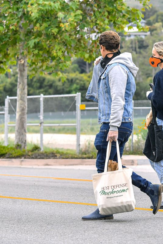 BRIE LARSON and Elijah Allan-Blitz Wearing Masks Out Shopping in Malibu 04/12/2020