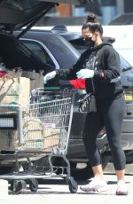 CASSIE VENTURA Wearing Mask Out Shopping in Los Angeles 04/15/2020