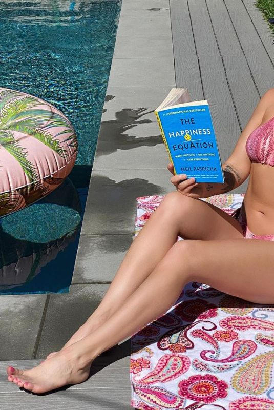 CHANEL WEST COAST in Bikini - Instagram Photo 04/16/2020