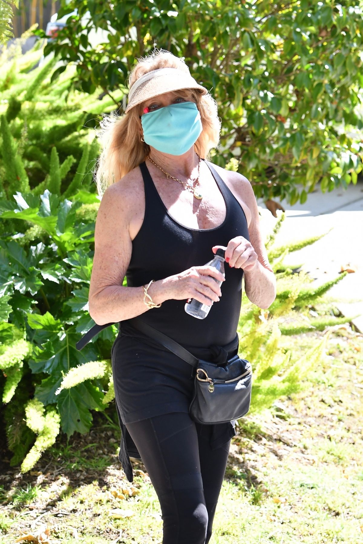 GOLDIE HAWN Out Hiking in Brentwood 04/11/2020 – HawtCelebs