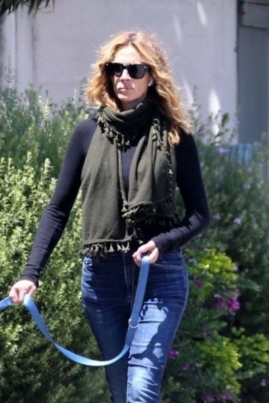 JULIA ROBERTS Out with Her Dog in Malibu 04/27/2020