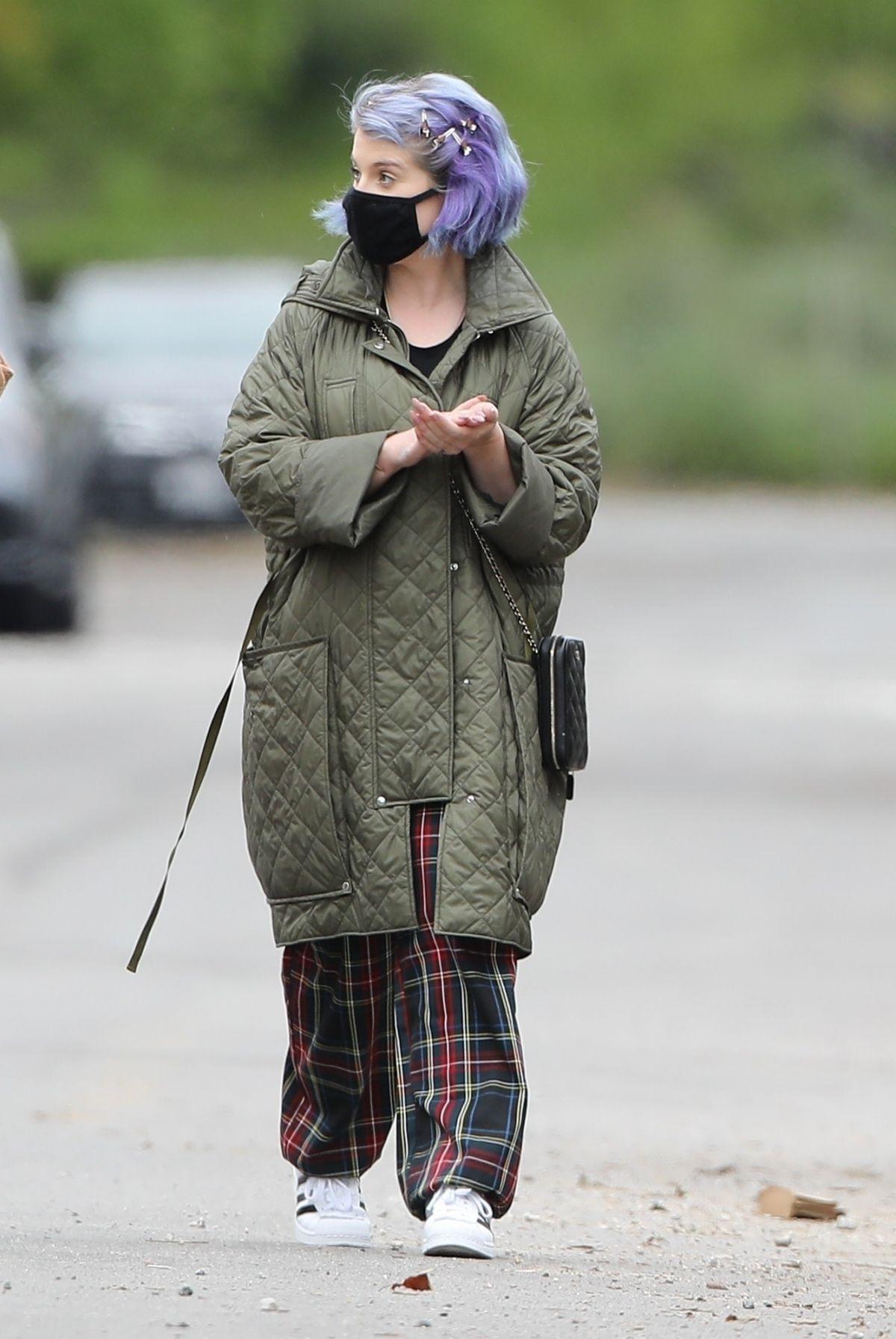 KELLY OSBOURNE Wearing Mask Out in Los Angeles 04/10/2020 ...Kelly Osbourne 2020 Picture
