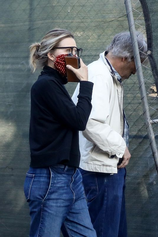 MICHELLE PFEIFFER and David E. Kelley Check on Progress of Their New Home in Pacific Palisades 04/21/2020