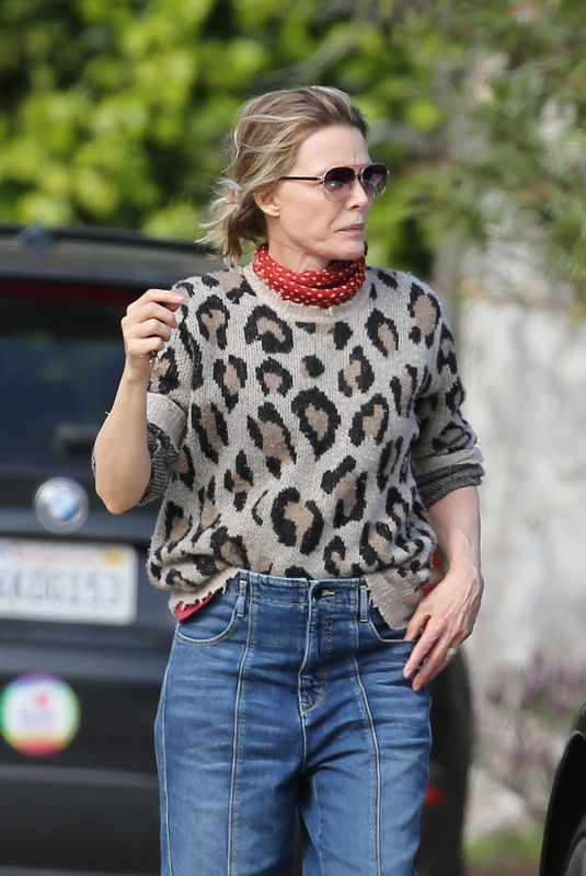 MICHELLE PFEIFFER Out and About in Pacific Palisades 04/04/2020