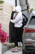 OLIVIA WILDE Goes Incognito Out in Los Angeles 04/08/2020