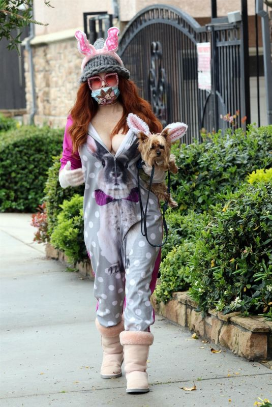 PHOEBE PRICE Wearing Masn and Easter Bunny Ears Out with Her Dog on in Los Angeles 04/09/2020