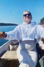 Pregnant LENA GERCKE - Instagram Photos 04/26/2020