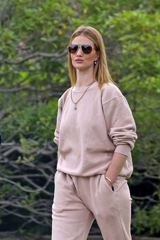 ROSIE HUNTINGTON-WHITELEY Out on Her 33rd Birthday in Beverly Hills 04/18/2020