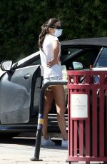 SARA SAMPAIO Takes Her Dog at Metropolitan Animal Specialty Hospital in Los Angeles 04/21/2020