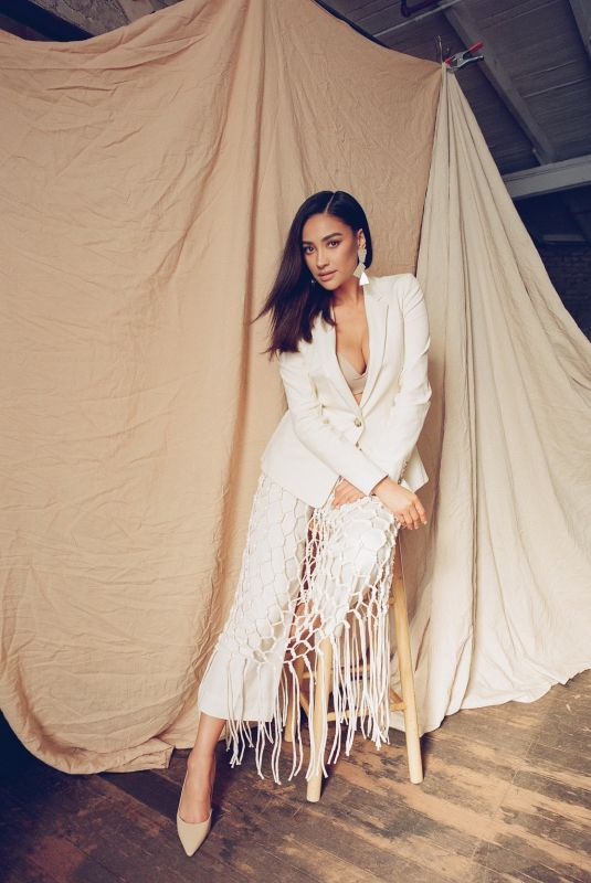 SHAY MITCHELL for Rromper New Parent Issue
