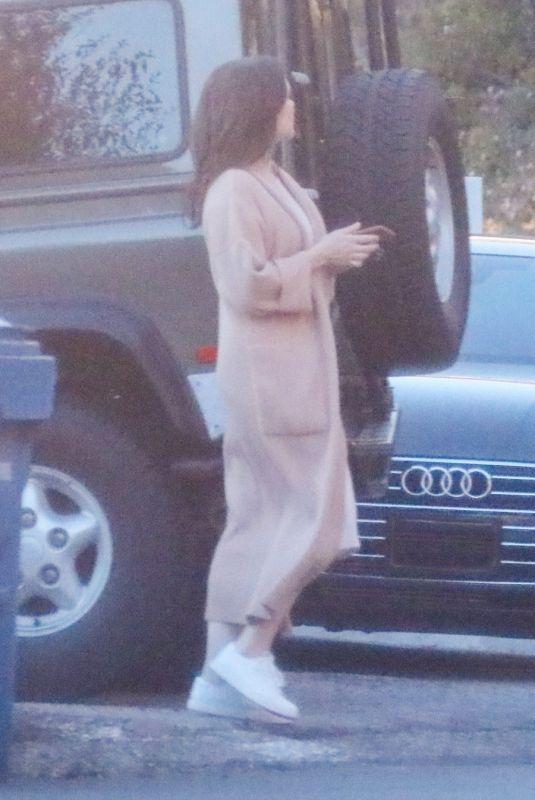 SOPHIA BUSH Visit a Friend in Los Angeles 04/15/2020