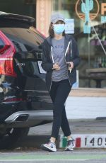 CALISTA FLOCKHART Gets Some Takeout in Santa Monica 05/07/2020