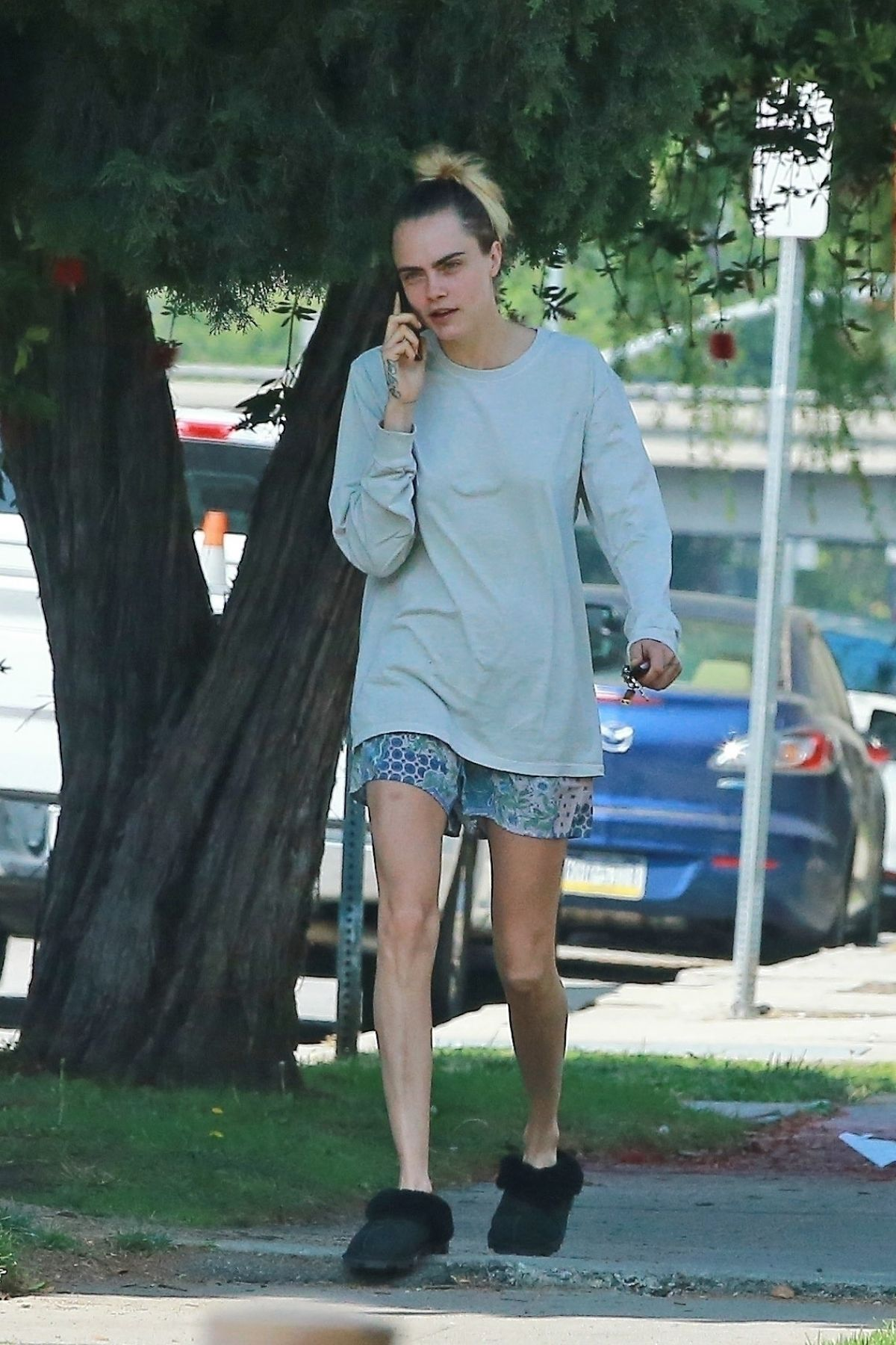 Cara Delevingne Out And About In Los Angeles 05 13 2020 Hawtcelebs
