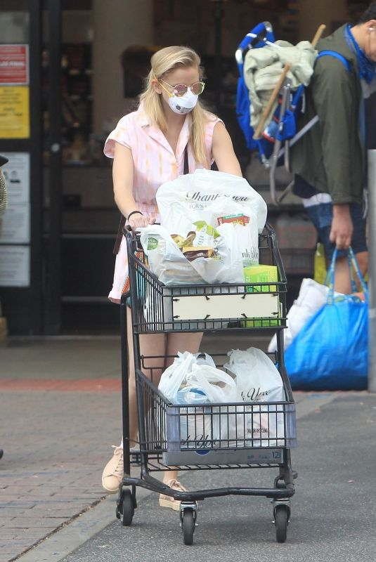CORINNE OLYMPIOS Shopping at Ralphs in West Hollywood 05/19/2020