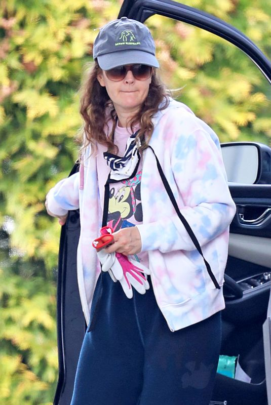 DREW BARRYMORE Out and About in New York 05/04/2020