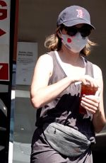 ELIZABETH BANKS Out for Coffee in Los Angeles 05/28/2020