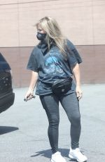 ELIZABETH BANKS Wearing a Mask Out in Los Angeles 05/23/2020